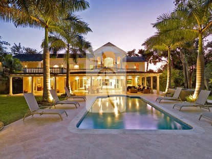 luxury Sandy Lane villa